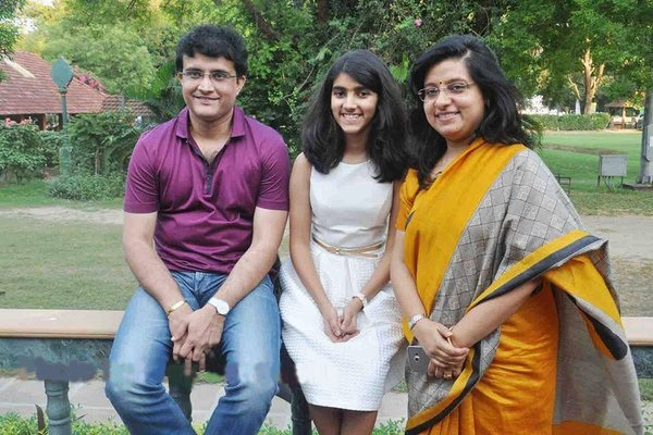 Sourav Ganguly Images with wife6