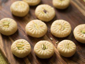 Name of Sweets in Hindi स्वादिष्ठ मिठाईयों के नाम  हिंदी में 18